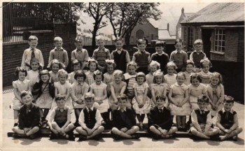 A Brighton Avenue school class outside the nursery in 1956.