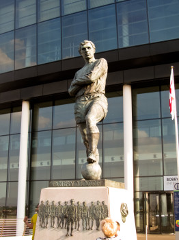 The statue outside Wembley to England's world cup hero