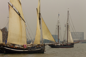 Some of the ships at least had sails unfurled