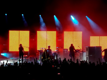 Placebo rocking the Apollo