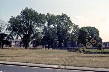 Looking across from somewhere down Bensham Road. Seen in 1983